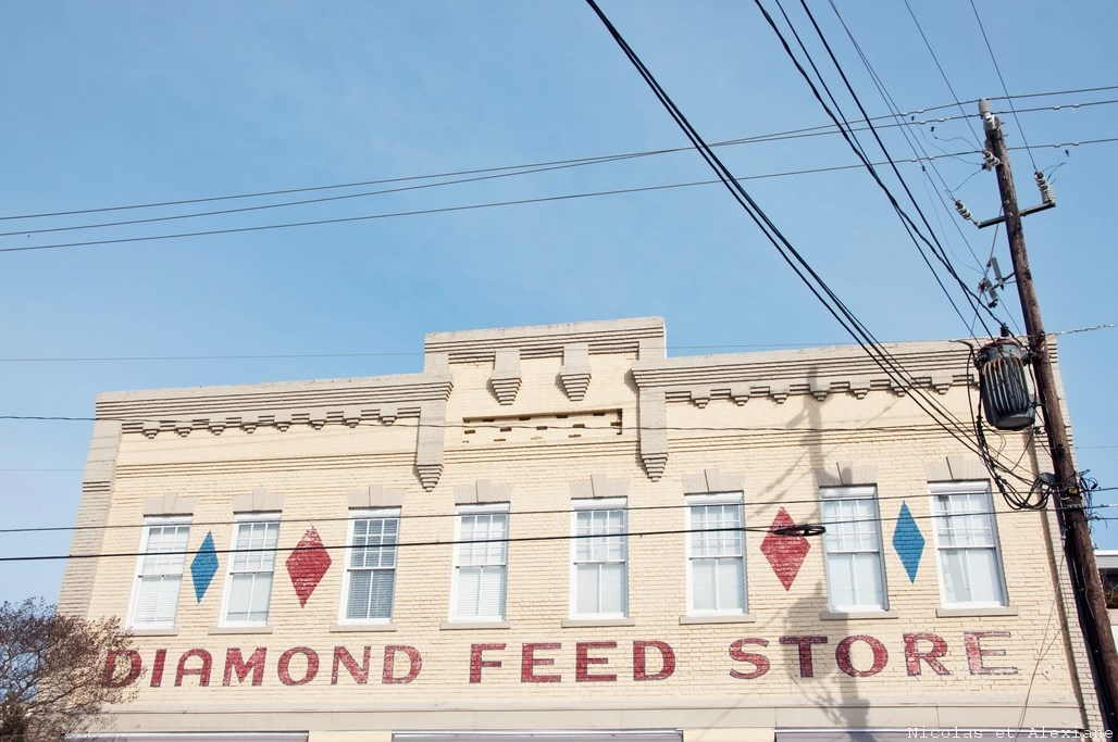 Diamond Feed Store