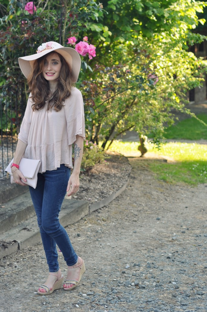 Look capeline rose jean blog mode Alexiane