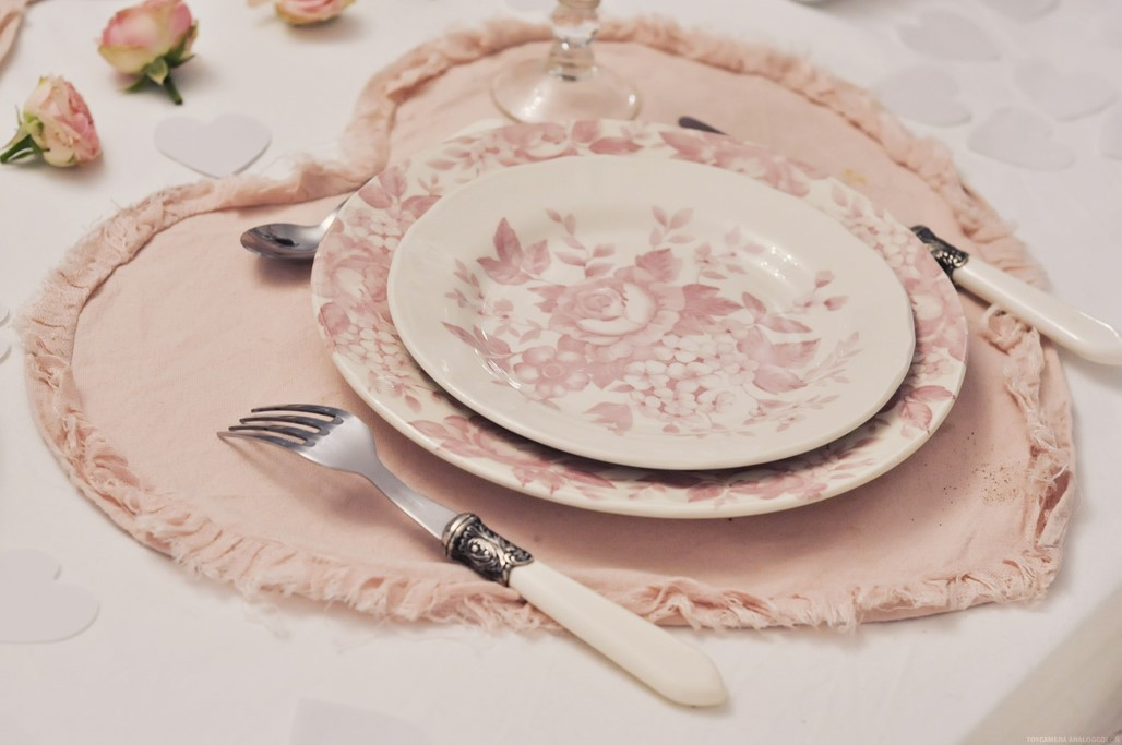 Decoration table Saint Valentin rose coeur amour blog Alexiane