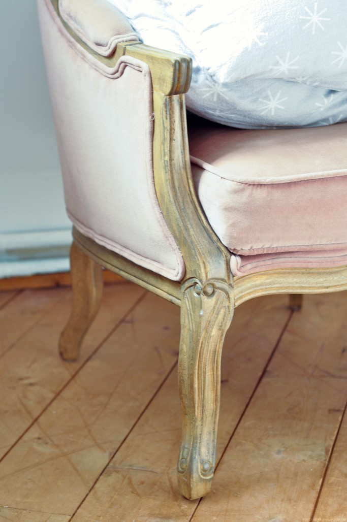 Fauteuil rose shabby chic home décoration