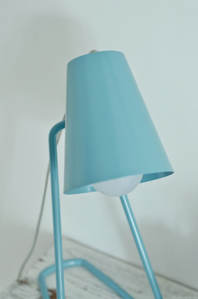 Lampe bleue Zed La chaise longue decoration