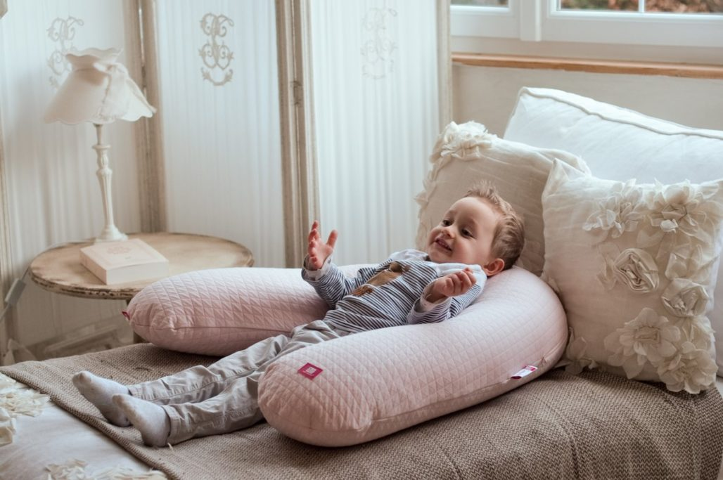 Coussin de maternité et d'allaitement BIG FLOPSY Red Castle Bande de parents 2018 Alexiane blog Maman