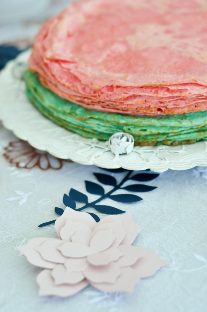 Crêpes roses et bleus baby shower gender reveal party